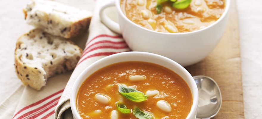 Roast tomato, fennel and cannellini bean soup image 1