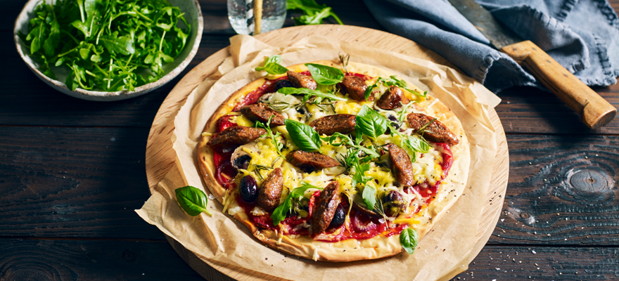 Simple meat-free sausage pizza image 1