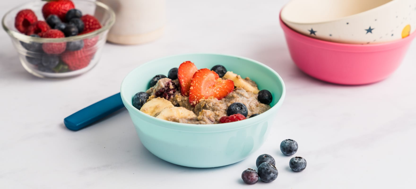 Warm banana-berry Weet-Bix porridge image 1