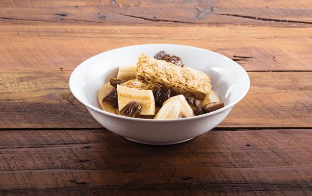 Weet-Bix™ with hot milk, banana and dates image 1
