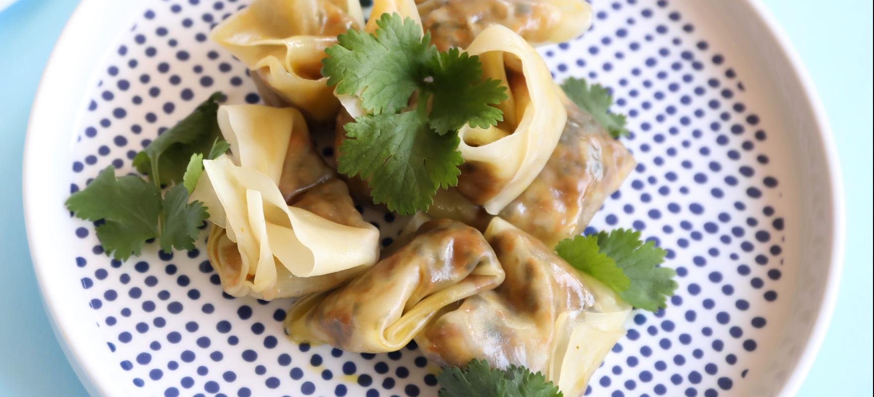 Steamed vegetarian dumplings image 1