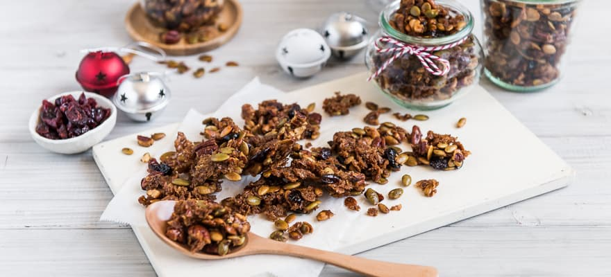 Gingerbread granola clusters image 1