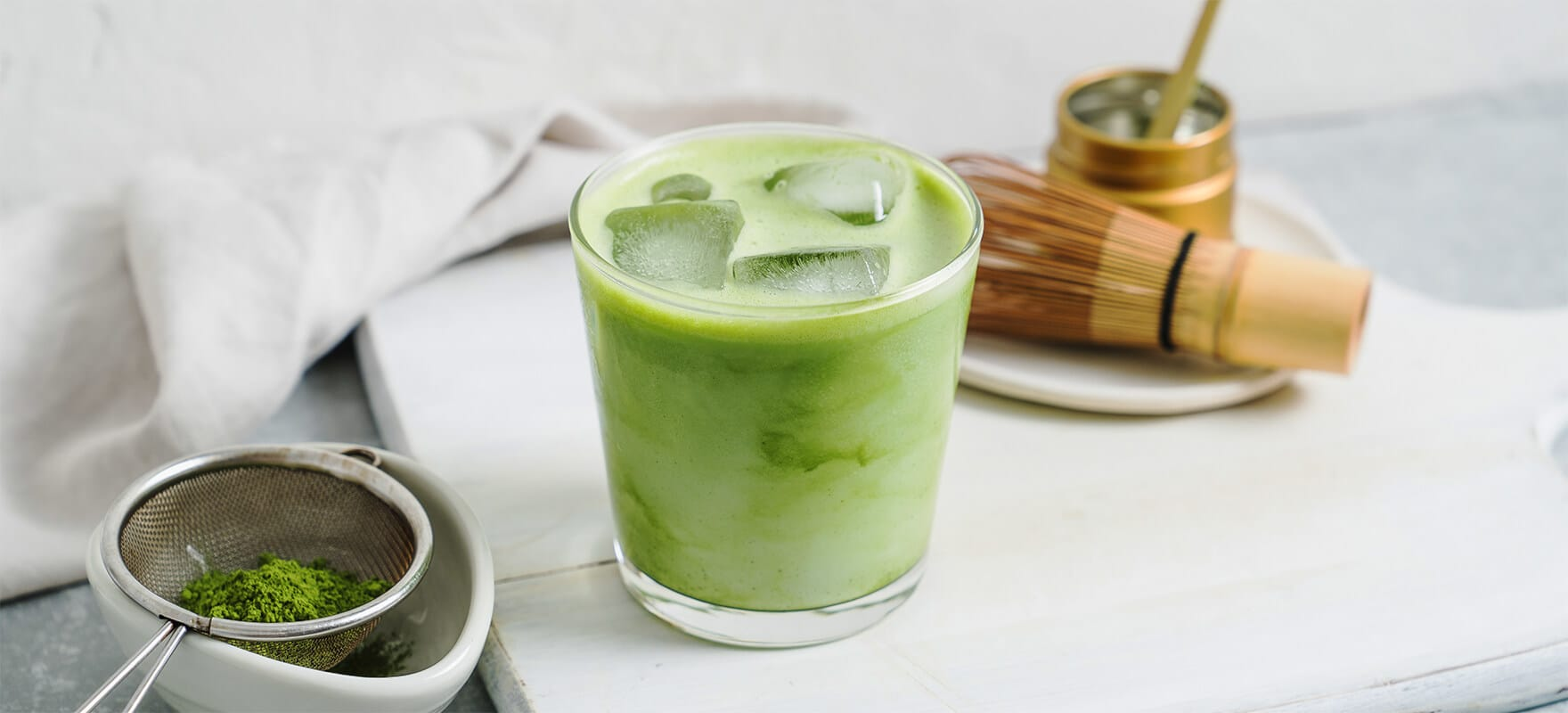 Iced matcha latte image 1