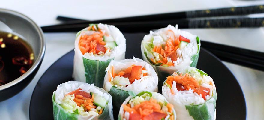 Fresh rice paper rolls image 1