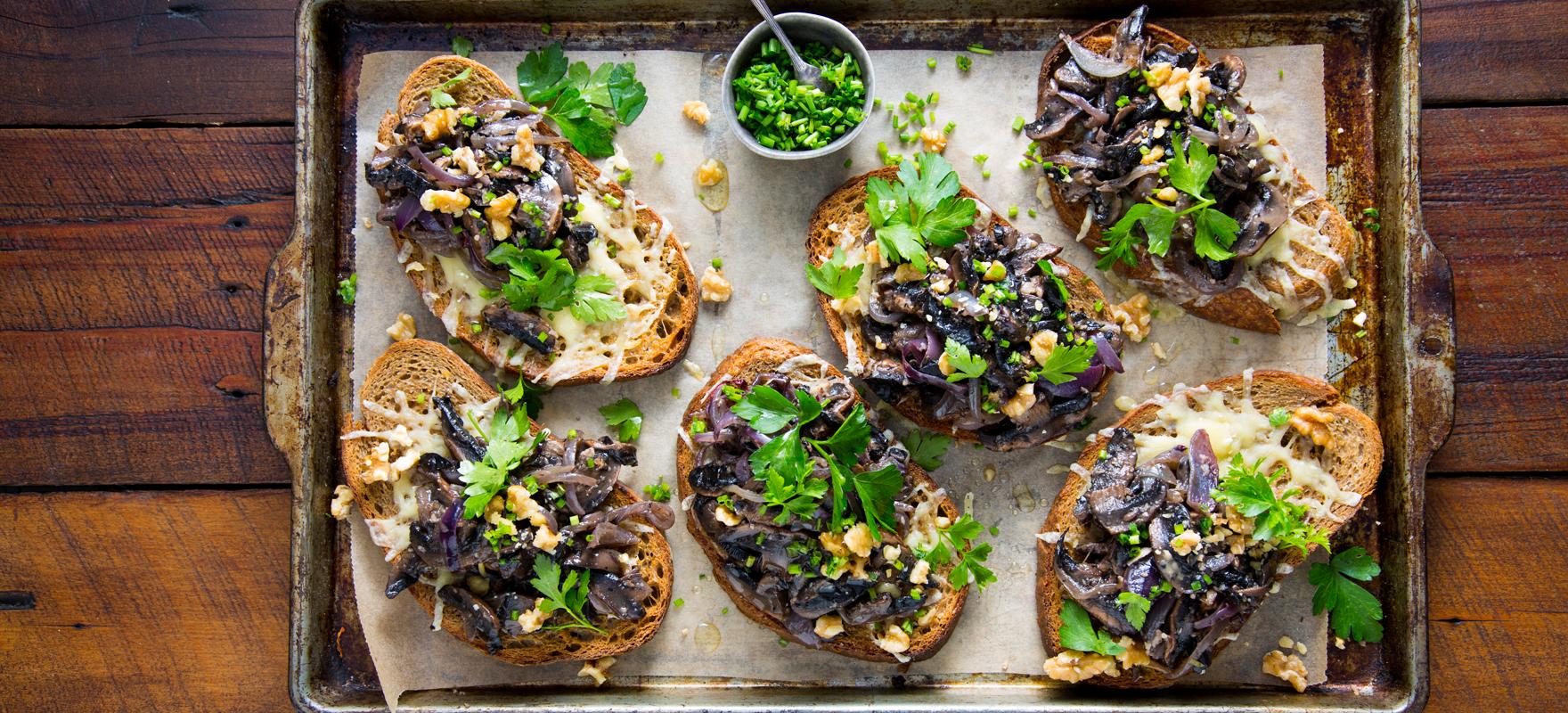 Garlic mushroom toast image 1