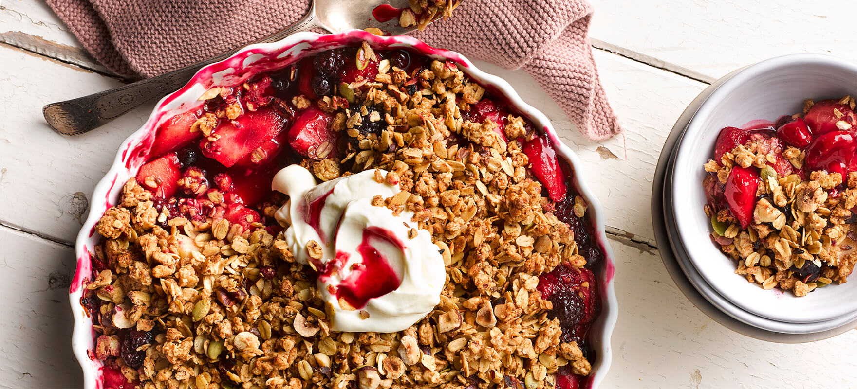 Apple and berry crumble image 1