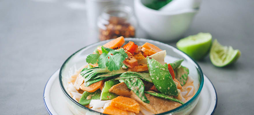 Penang vegetable noodle bowl image 1