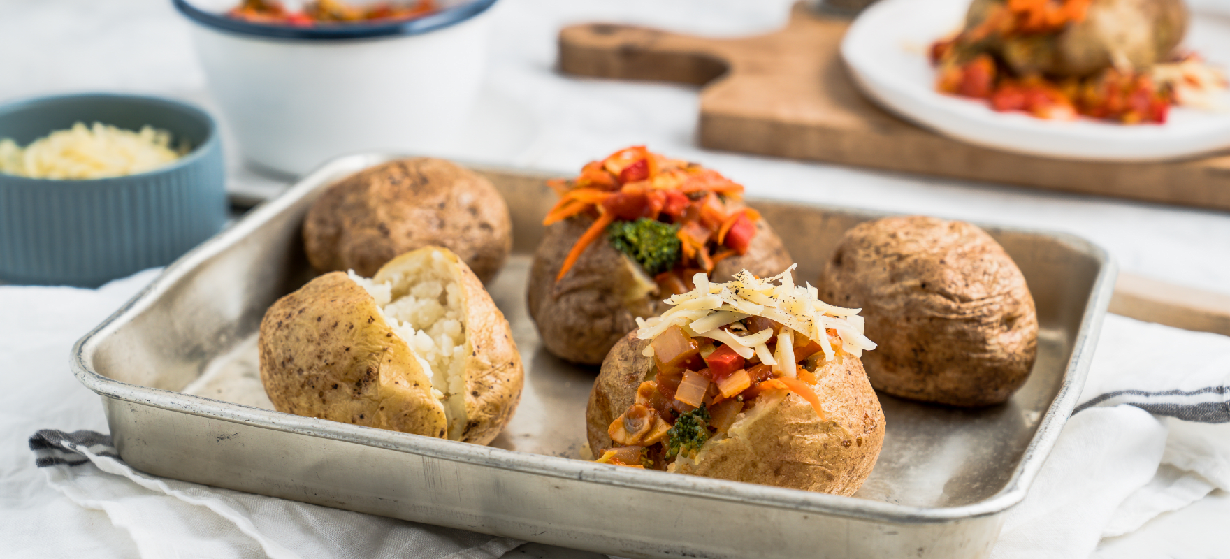 Baked potato with vegetable filling image 1