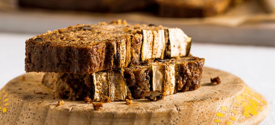 Zucchini, nutmeg and honey cake image 2