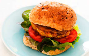 Chickpea curry burgers image 1