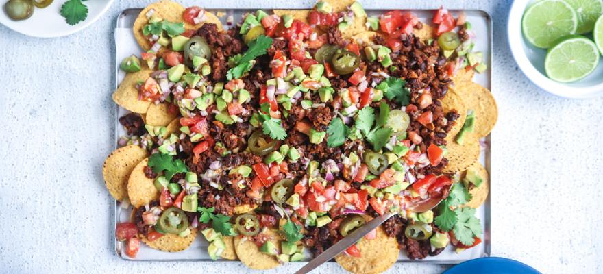 Classic vegan nachos image 1