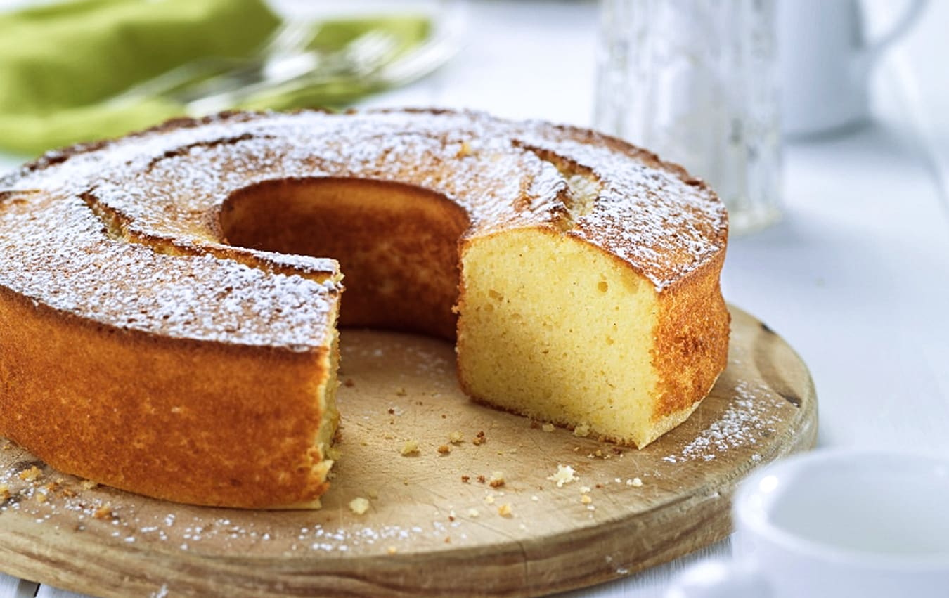 Lemon polenta cake image 1