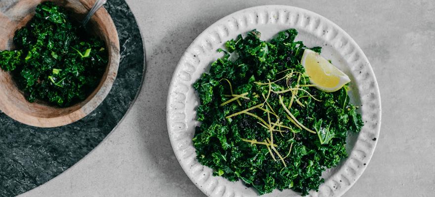 Simple sauteed kale image 1