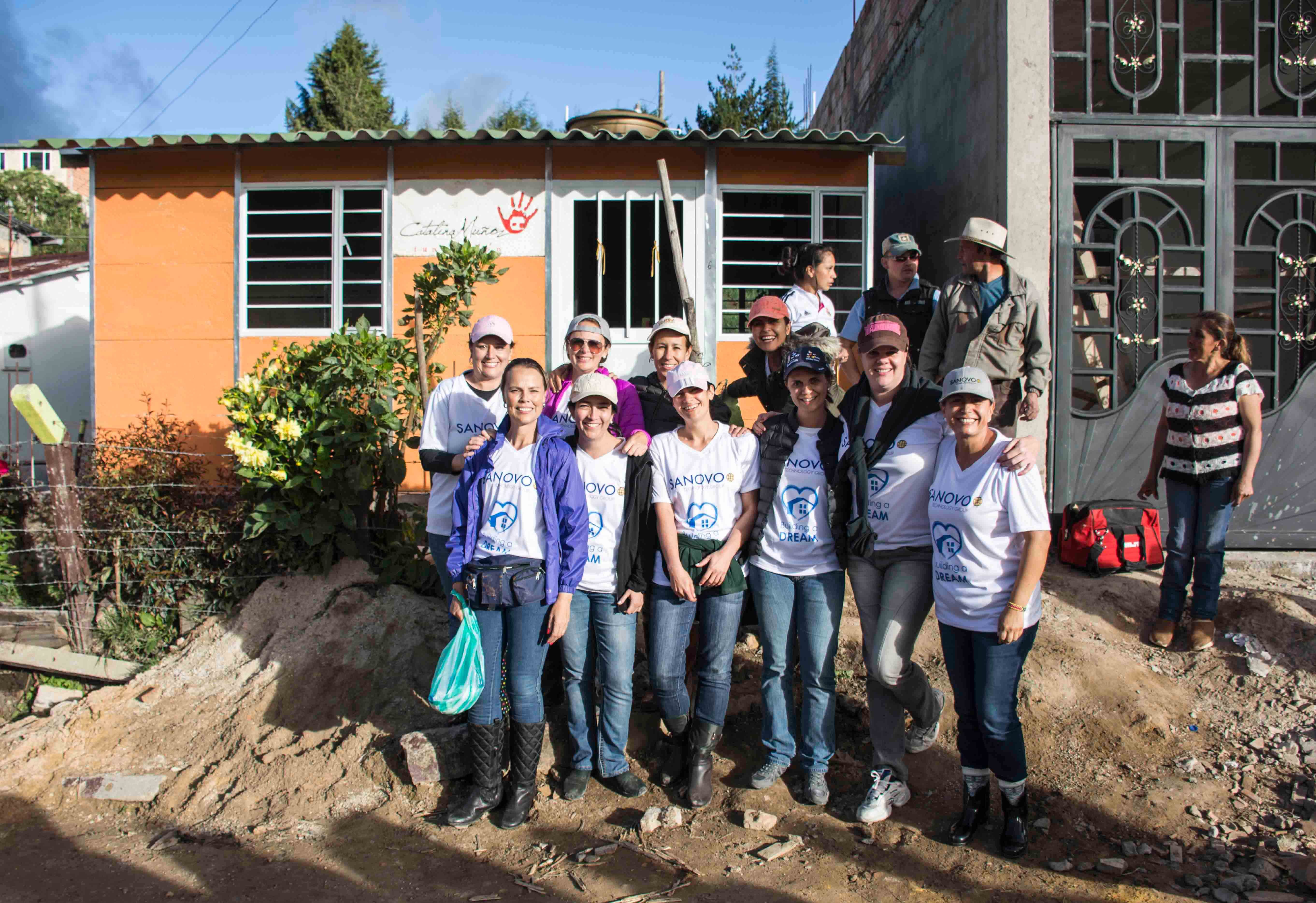 The proud team have build a dream for a family in Colombia!