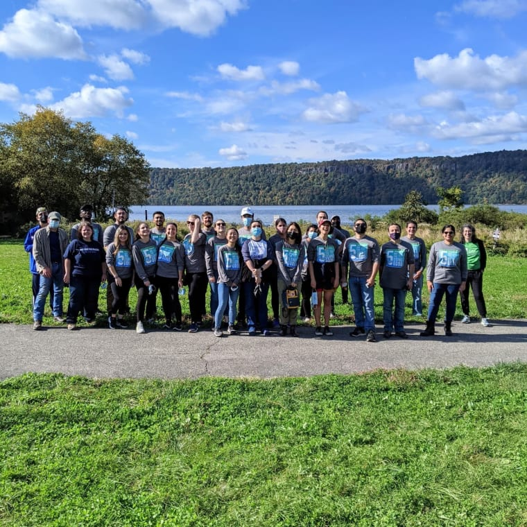 Thanks so much to the volunteers from @regeneron who participated in a park restoration project at CURB as part of the Regeneron Day for Doing Good. The team replaced and repaired marsh fencing, cleared our marsh trail, and helped with weeding in the garden. #regenerond4dg #CURB #Yonkers #hudsonriver #volunteering
