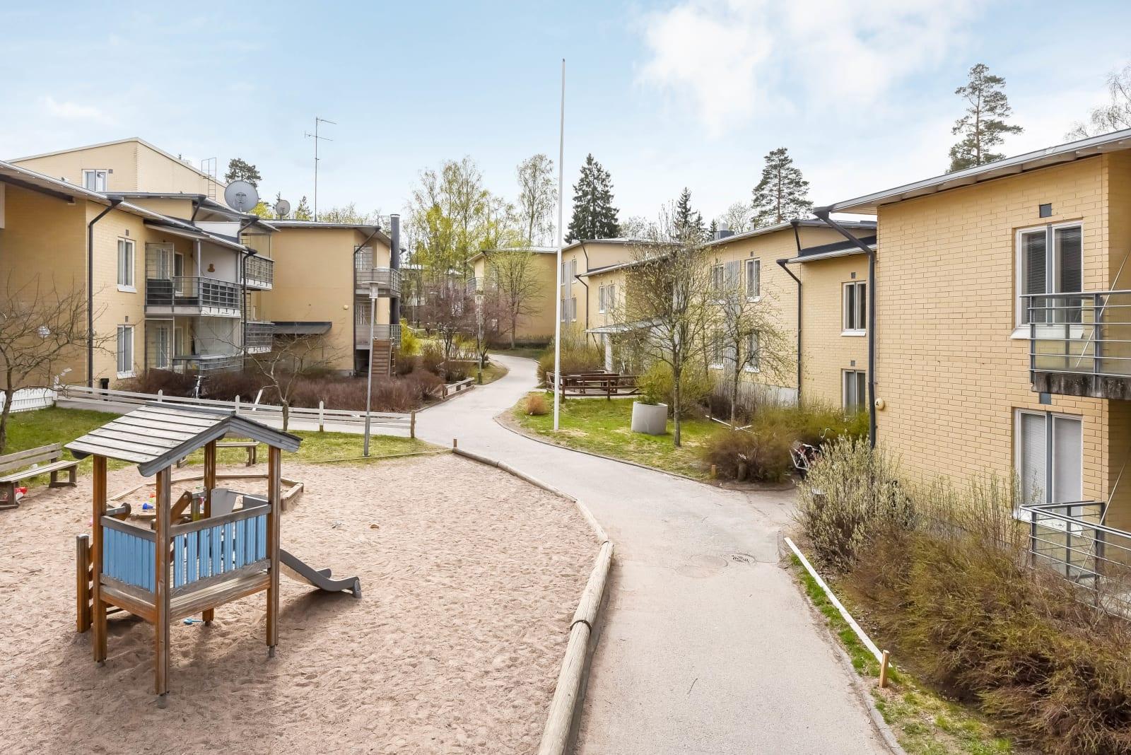 Helsinki, Heikinlaakso, Kirsitie 4