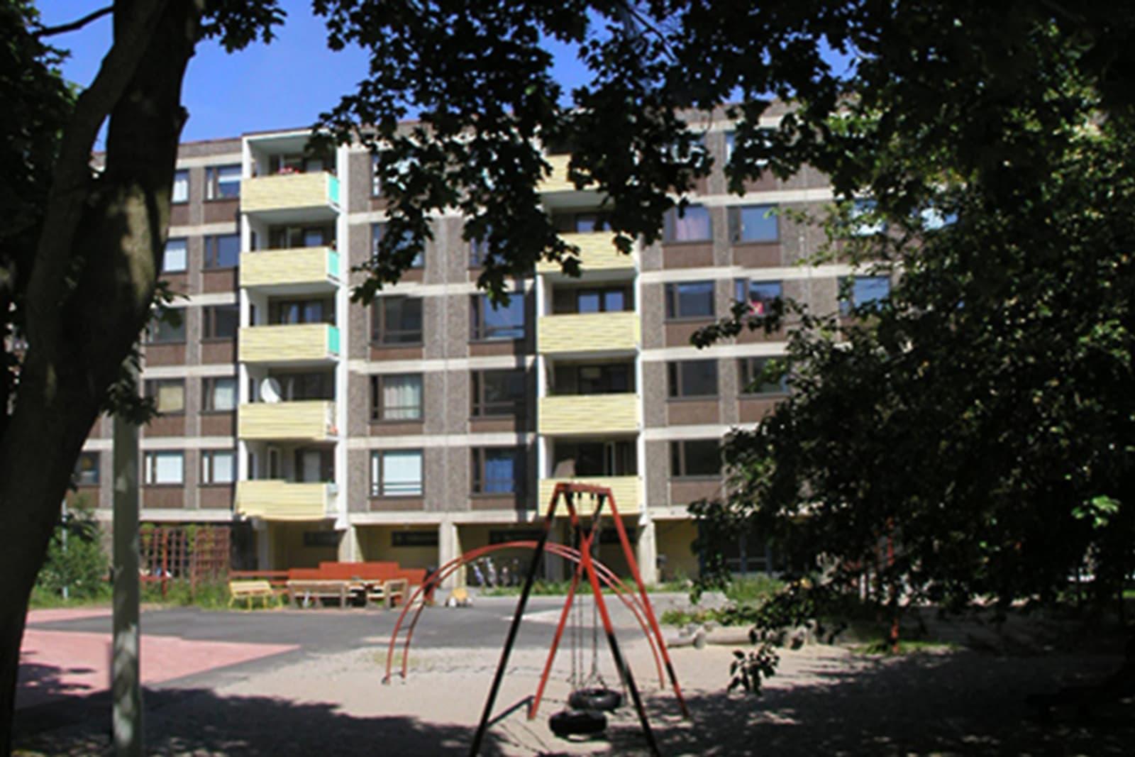 Helsinki, Itä-Pasila, Opastinsilta 1