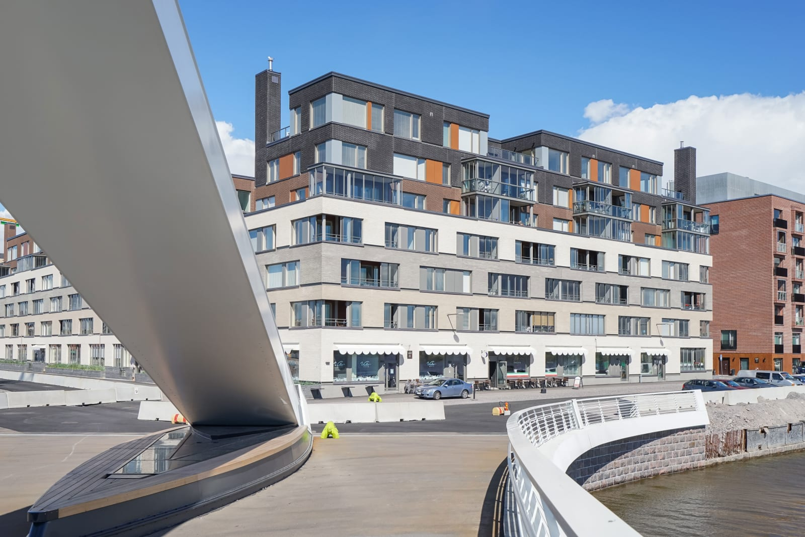 Helsinki, Kalasatama, Capellan puistotie 2