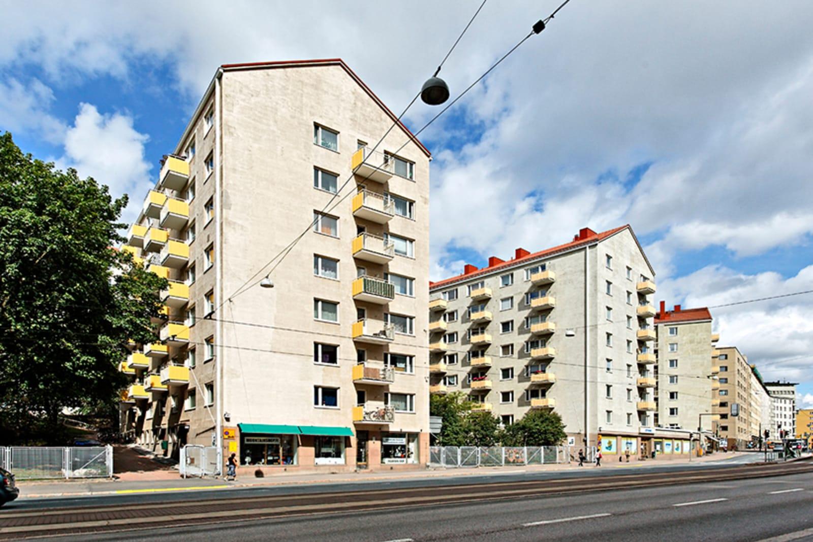 Helsinki, Kallio, Hämeentie 40, 42, 44, Pengerkatu 19