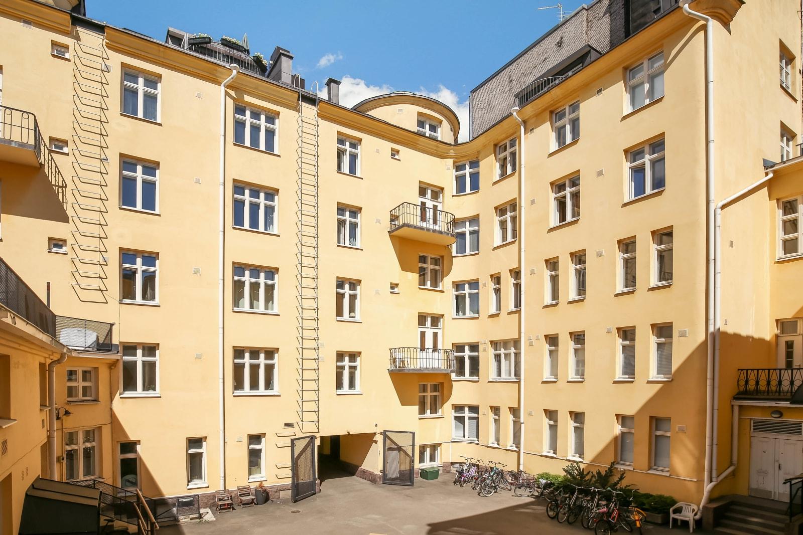 Helsinki, Kamppi, Kalevankatu 32