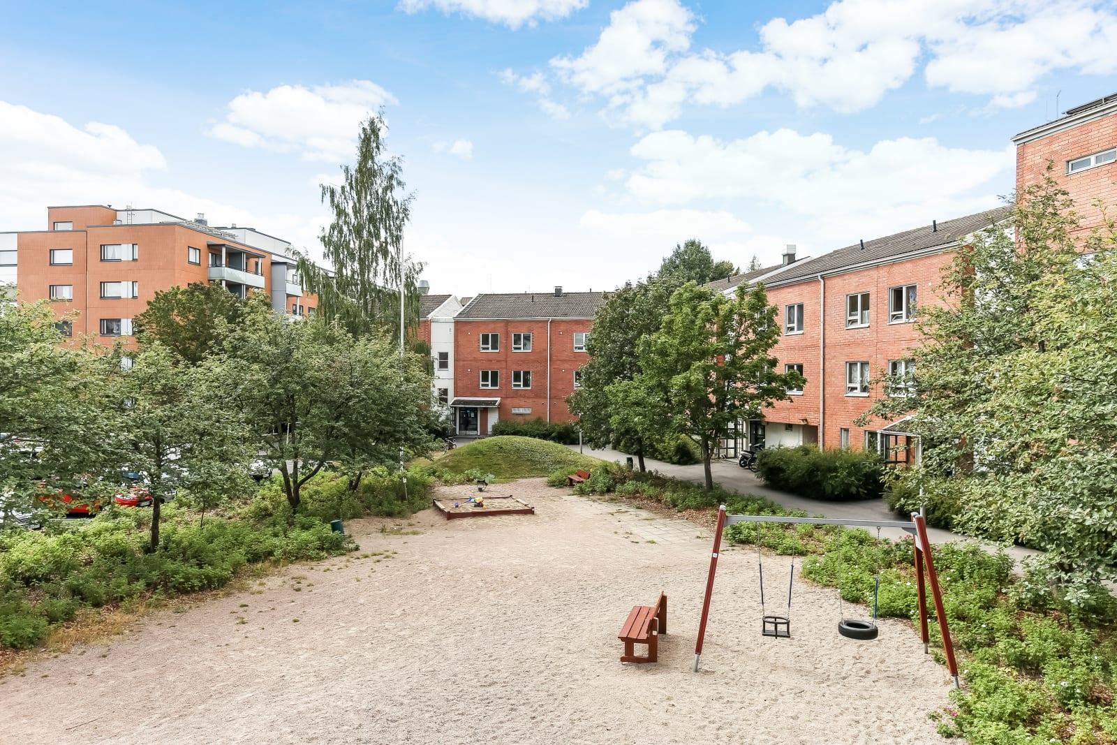 Helsinki, Malmi, Piilikuja 4