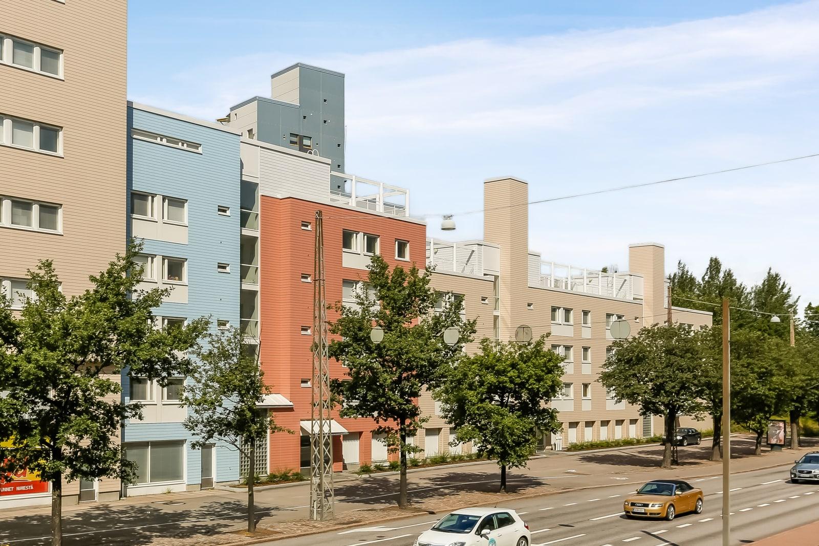 Helsinki, Pikku Huopalahti, Korppaanmäentie 1, Mannerheimintie 170