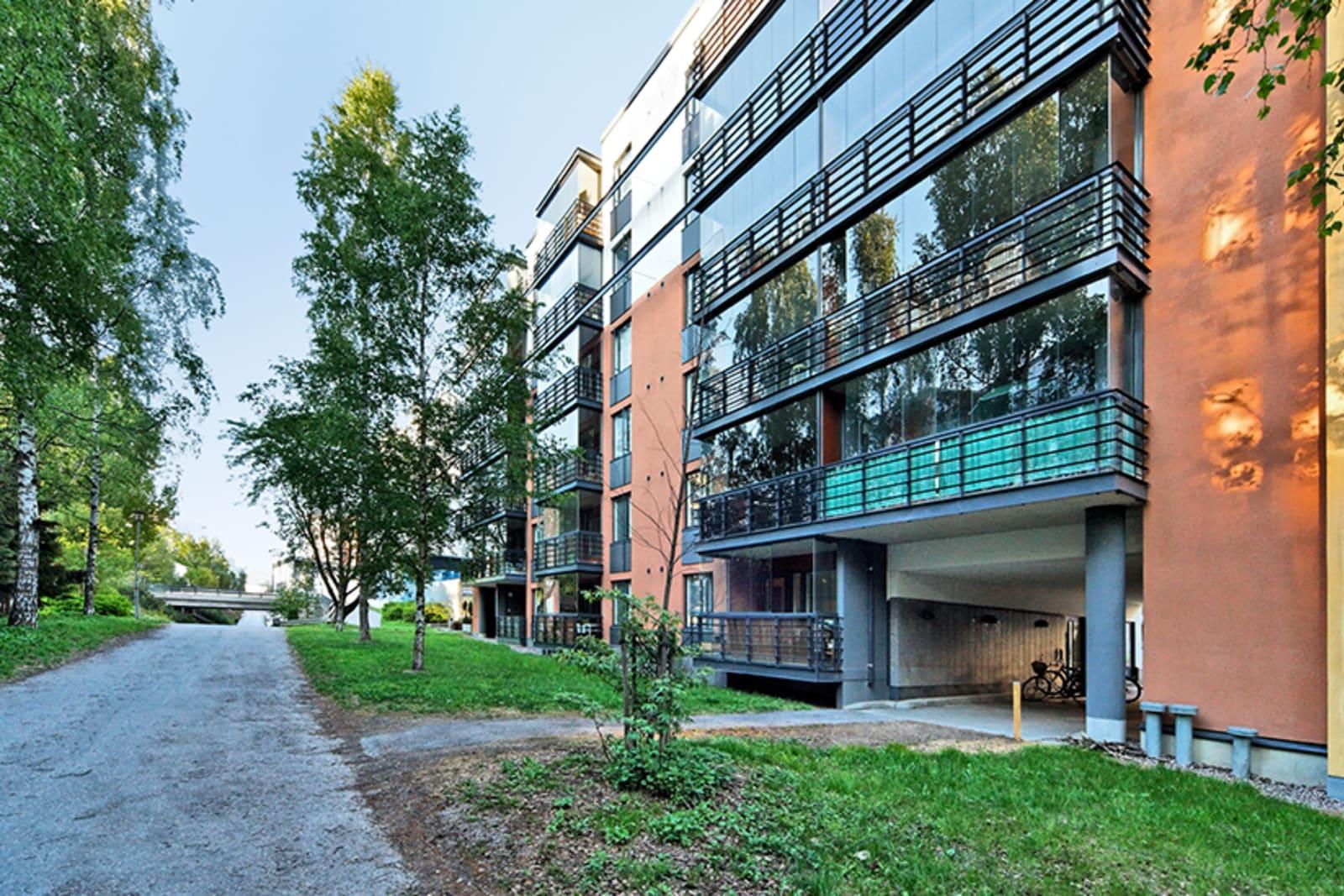 Helsinki, Pitäjänmäki, Purotie 3, Talin puistotie 4