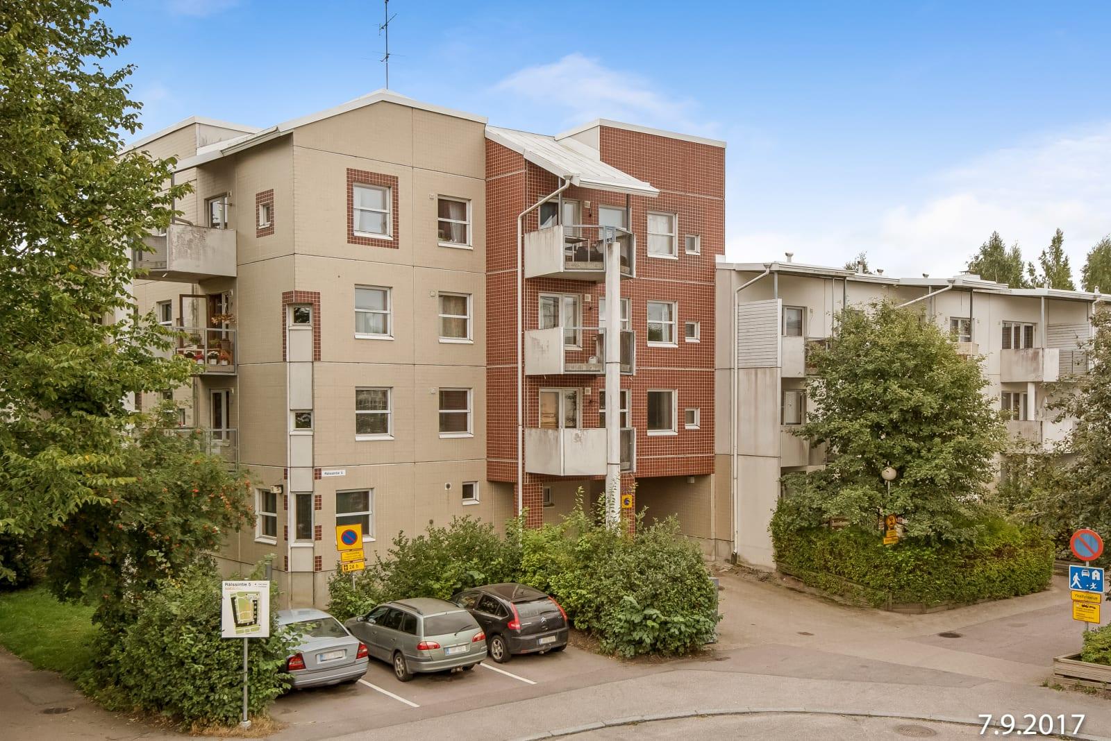 Helsinki, Pukinmäki, Rälssintie 5
