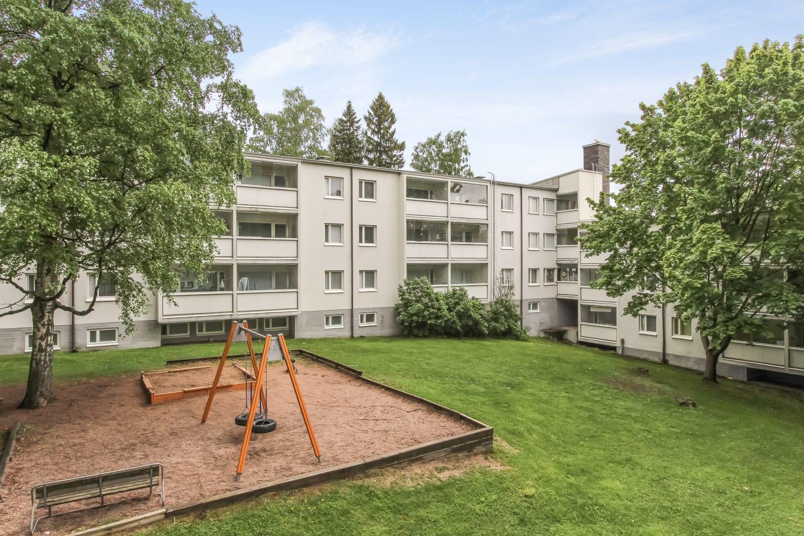 Helsinki, Puotila, Rusthollarinkuja 2