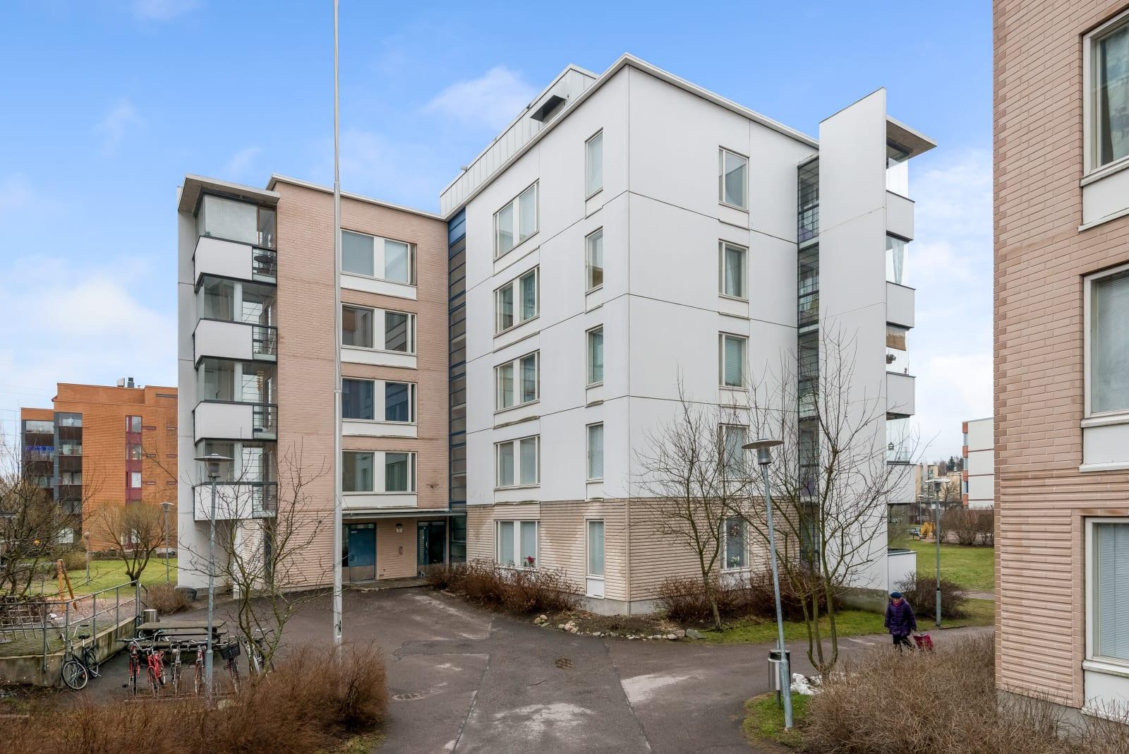 Helsinki, Veräjälaakso, Myllypellonpolku 4