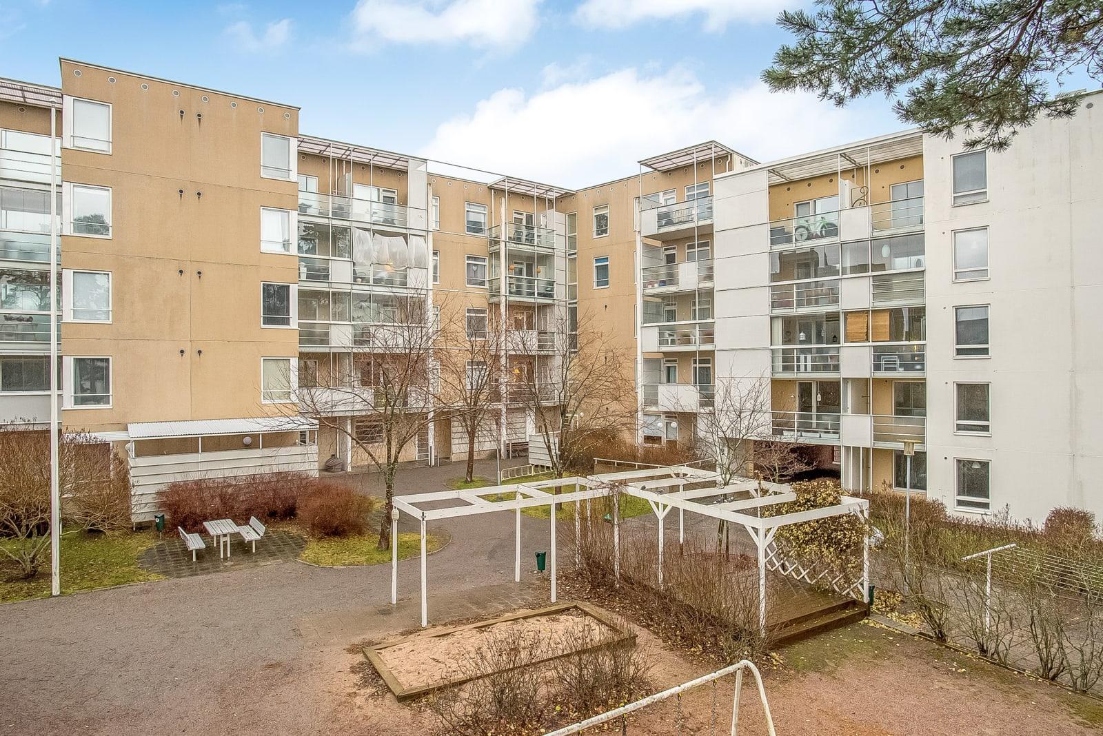 Helsinki, Vuosaari, Hiekkalaiturintie 3