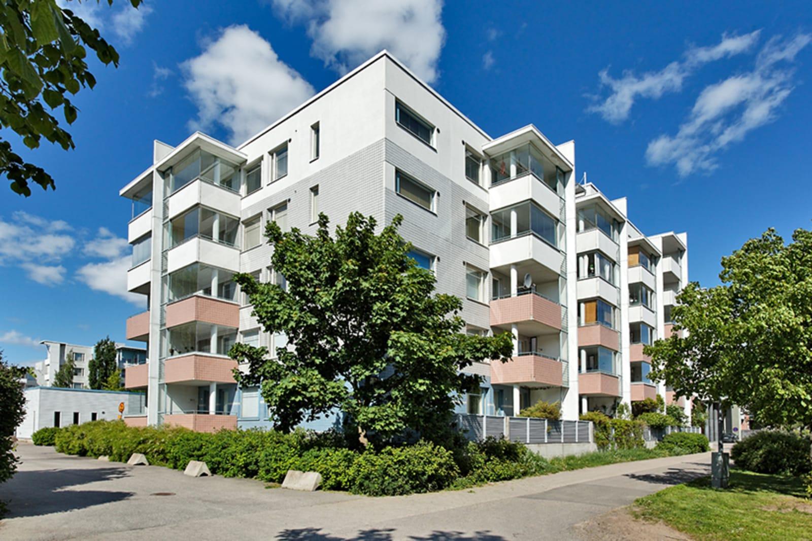 Helsinki, Vuosaari, Kaivonkatsojantie 13