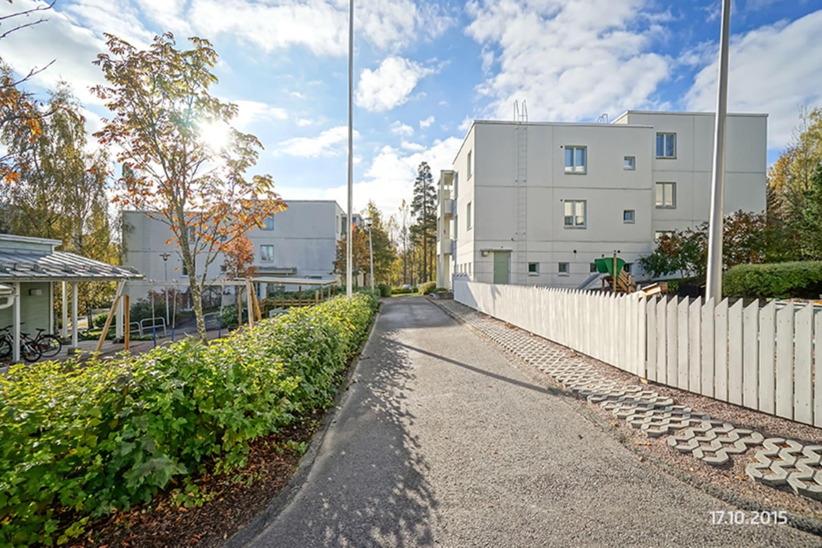 Helsinki, Vuosaari, Meri-Rastilan tie 5