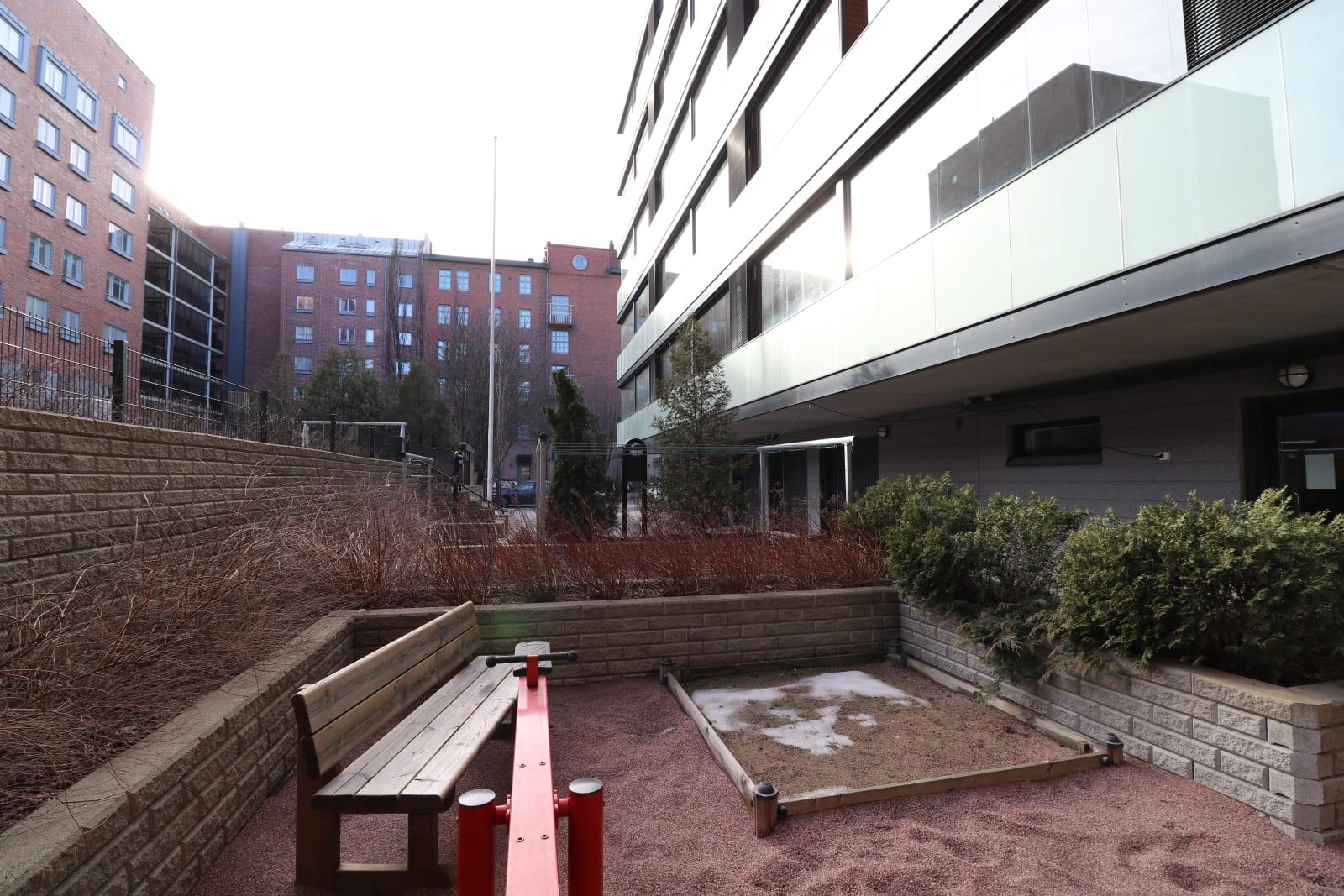 Turku, Keskusta, Ratapihankatu 38