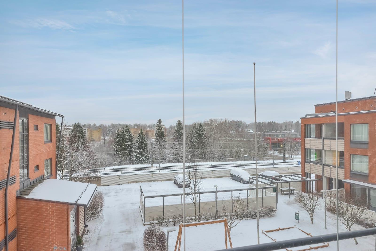 Vantaa, Koivukylä, Karsikkokuja 2, 4