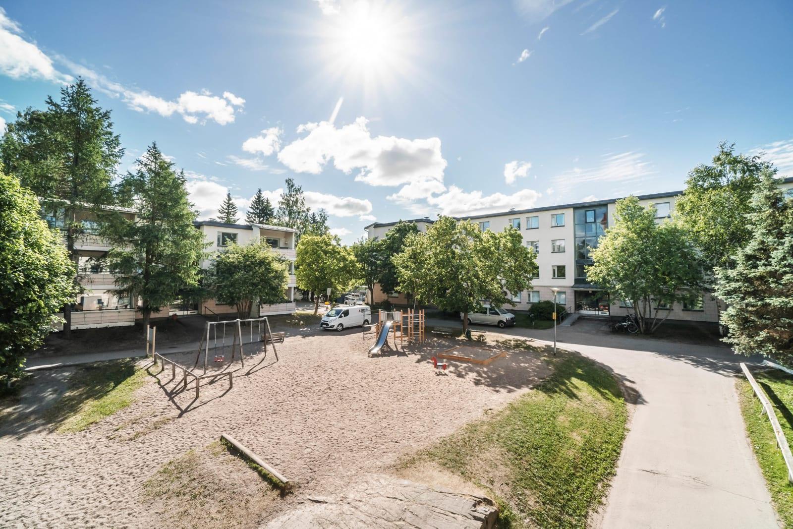 Vantaa, Martinlaakso, Laajavuorenkuja 5