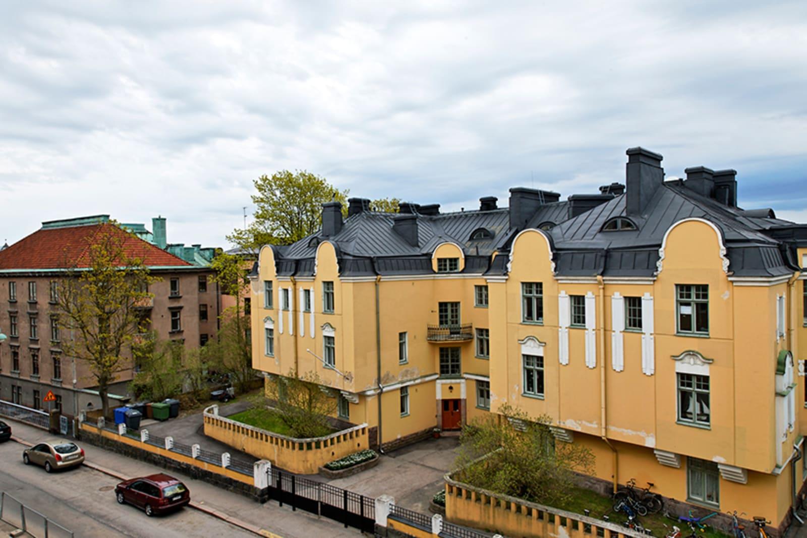 Helsinki, Eira, Juhani Ahon tie 12-14 C 012