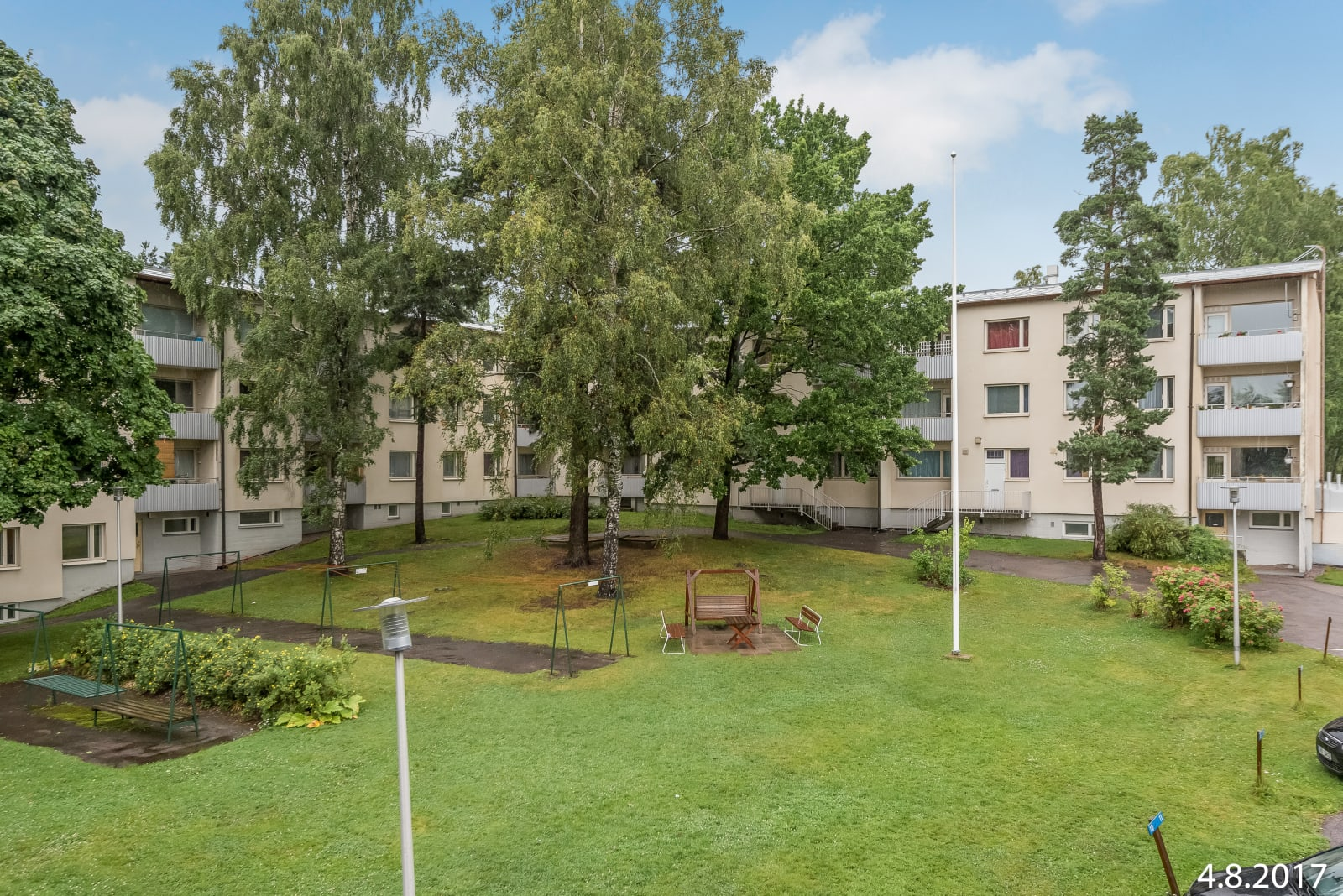 Helsinki, Puotila, Klaavuntie 8-10