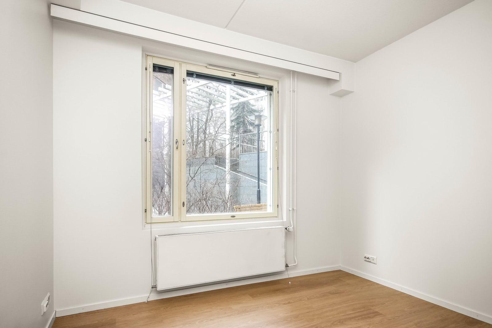 Helsinki, Sörnäinen, Lintulahdenaukio 8