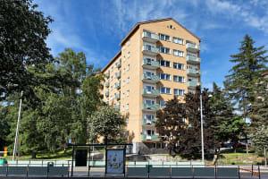 Helsinki, Laakso, Mannerheimintie 83-85