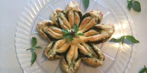 LIVE, LOVE, & EAT in Sayulita: A Recipe for Pesto Puff Pastry Snowflake