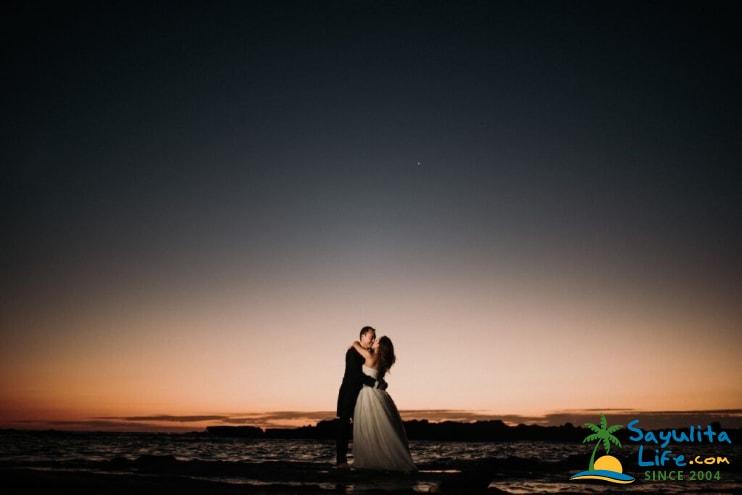 Amor Wedding Photography By Elefante Studios in Sayulita Mexico