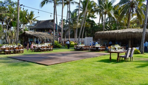 Frente Al Punto Beach Club - Wedding & Event Venue in Sayulita Mexico