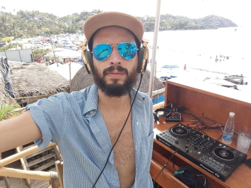 Nixs Dian - DJ, Musician & Producer in Sayulita Mexico