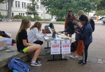 UT Votes Members Registering Voters