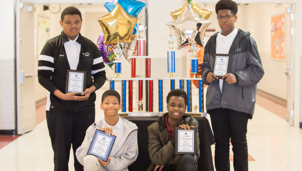 Help the Highland Oaks Middle Chess Team Get to Nationals! Image