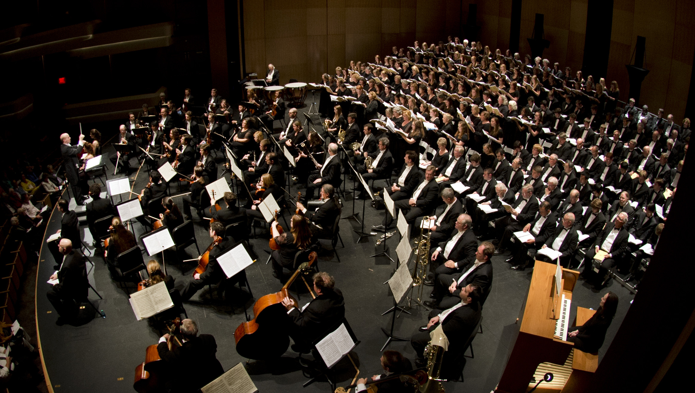 VT Choirs and Blacksburg Master Chorale perform at the Moss Arts Center grand opening
