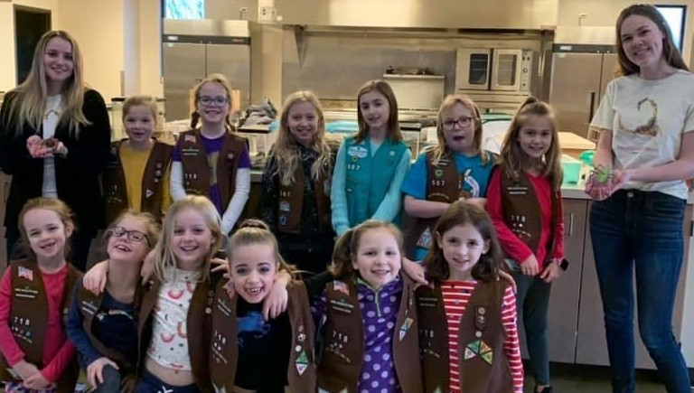 Girl Scout Program! The zoo offers a discounted program with free bug art to Girl Scout Troops.