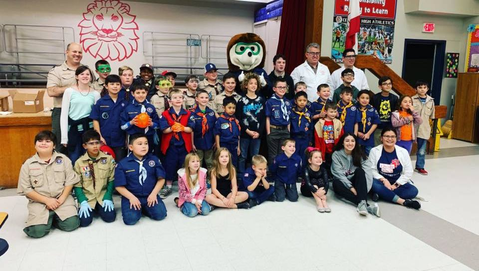 Fresno State Chemistry Club with the Cub Scouts (January 2019)