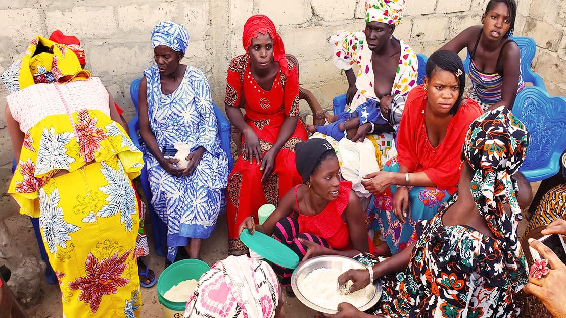 Women in village in Senegal cooking